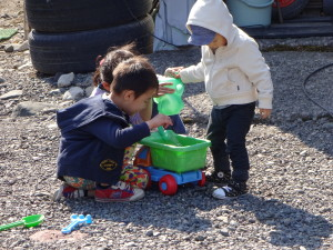 BBQが終わったら子ども達は仲良く水遊び♪